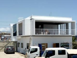 AMPLIACIÓN OFICINA CONSTRUCTORA EN COQUIMBO Casas estilo moderno: ideas, arquitectura e imágenes de BAUSTUDIO Moderno