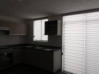 Modern kitchen by ARQUIPERSIANAS Modern