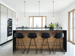 現代廚房設計點子、靈感&圖片 根據 Beer GmbH 現代風
