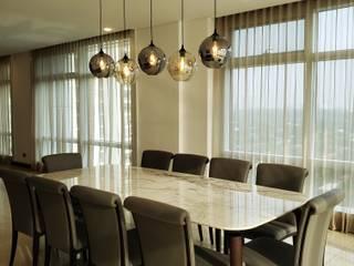 Classic Contemporary Minimalist dining room by Geraldine Oliva Minimalist