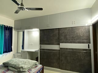 Flat interior Design with False ceiling and Painting at Sobha Dream acre by Design-O-Dwells Modern
