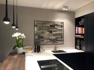 Cocinas de estilo moderno de Rimini Baustoffe GmbH Moderno