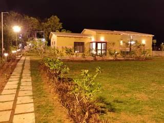 Farmhouse in Ashirwad Farms, Surat: modern  by Studio of Creative Chaos,Modern