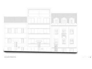 Reabilitação e ampliação de um edifício de habitação nas Avenidas Novas, Lisboa Casas modernas por Nuno Ladeiro, Arquitetura e Design Moderno