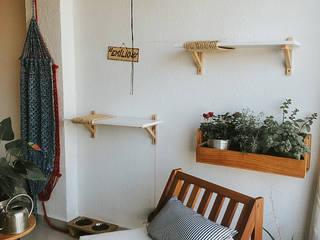 Sala de estar moderna por Lorena Porto - Arquitetura e Interiores Moderno