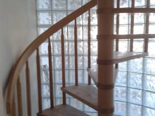 CAM TUĞLA UYGULAMASI TEKNİK İNŞAAT PARKE VE DEKORASYON Merdivenler Cam Şeffaf