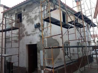 Remodelação de interior fachadas e cobertura Roger Remodelações- Reparações Casas pequenas Branco