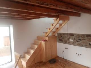 Remodelação de interior fachadas e cobertura Roger Remodelações- Reparações Escadas Madeira Castanho