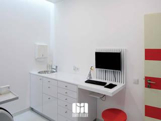 REFORMULAÇÃO DE COMERCIO E SERVIÇOS - Clinica Dentária, Pedro Azevedo Lojas e Espaços comerciais modernos por OBRA ATELIER - Arquitetura & Interiores Moderno