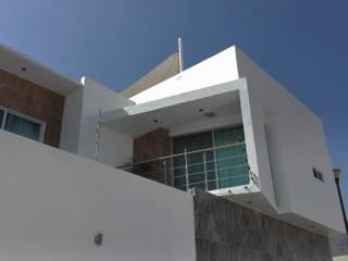 Casa Arboledas Casas minimalistas de arqIVE Minimalista