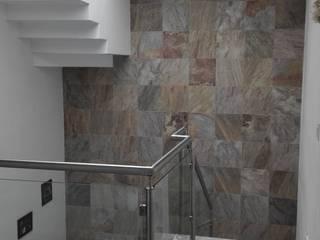 Casa Arboledas de arqIVE Minimalista