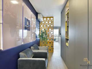 Escritório Pinheiros Edifícios comerciais clássicos por Marcela Rocca Arquitetura & Interiores Clássico