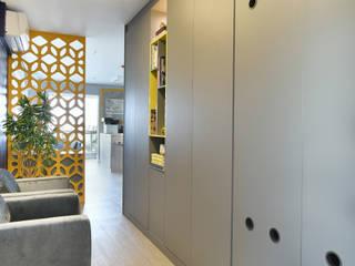 Escritório Pinheiros Espaços comerciais clássicos por Marcela Rocca Arquitetura & Interiores Clássico