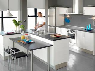 COZINHAS / OBRAS COZINHA / FOTOS OBRAS COZINHAS Cozinhas clássicas por VITALOBRAS Clássico