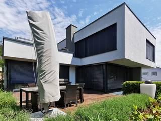 Modern Terrace by Avantecture GmbH Modern