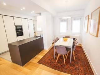 Reforma de vivienda en Las Arenas de BR&C arquitectos Moderno