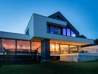 Modern Windows and Doors by Avantecture GmbH Modern