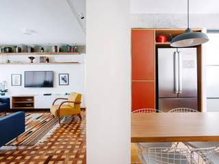 Apartamento com cara de casa Cozinhas modernas por Estudio Piloti Arquitetura Moderno
