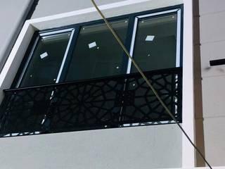 Yapısan Cephe Sistemleri Porte di vetro Alluminio / Zinco Nero