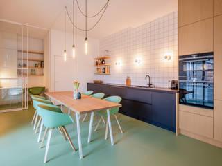 Appartement IJburg,  Amsterdam: modern  door ÈMCÉ interior architecture, Modern Tegels