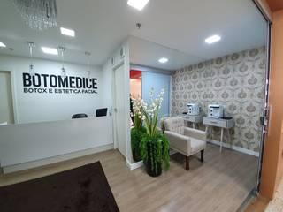 Кабинеты врачей в стиле минимализм от Monteiro arquitetura e interiores Минимализм