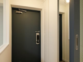 Corredores, halls e escadas modernos por Design Daroom 디자인다룸 Moderno