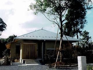 羽鳥の家 築14年(2005年12月竣工)。当時男子幼児2人を持つ30代夫妻 整体院併用住宅 日本家屋・アジアの家 の 樹・中村昌平建築事務所 和風