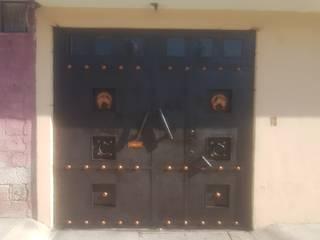 Puertas estilo rural de Herreria Lima Rural