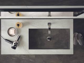 Lavabi con vasca integrata di Nami Bath Moderno