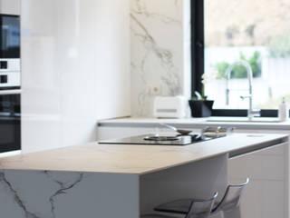 Kitchen - Cubism - LoSartori por LoSartori Moderno
