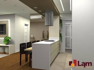 من LAM Arquitetura | Interiores حداثي