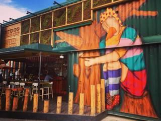 Pier88 il primo giardino verticale sostenibile della città di Padova Bar & Club moderni di Life Panel snc Moderno