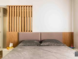 Camera da letto moderna di Madi Arquitetura e Design Moderno