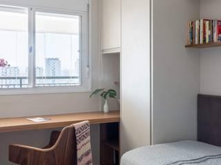 Studio moderno di Madi Arquitetura e Design Moderno