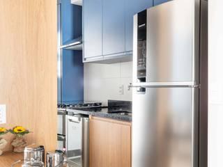 Cucina moderna di Madi Arquitetura e Design Moderno