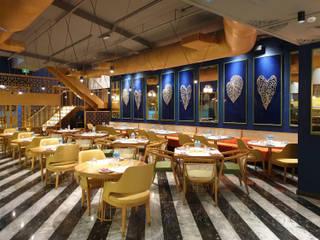 MASALA CANTEEN FINE DINE RESTAURANT, DOHA Modern hotels by DA Designs Modern