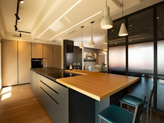 Archifacturing Modern Kitchen Wood Beige