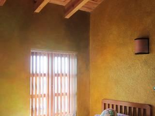 Recámara Dormitorios rústicos de Forma Arquitectónica SA de CV Rústico Madera Acabado en madera
