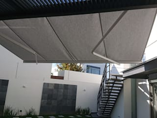 Jardines de estilo moderno de ARQUIPERSIANAS Moderno