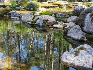 Декоративное озеро с валунами от Студия ландшафтного дизайна Кости Юдина