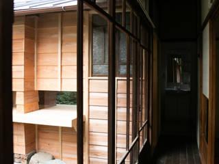 京都・北大路の家 一級建築士事務所 高橋良彰建築研究所 和風の 玄関&廊下&階段