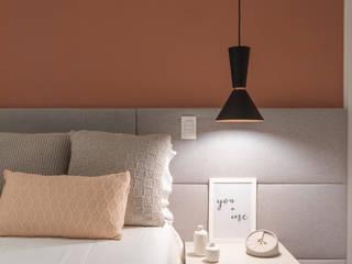 Apartamento moderno e cheio de personalidade para casal jovem Quartos modernos por Studio Elã Moderno
