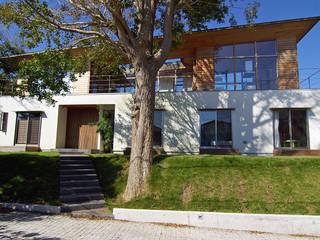 Casas de estilo escandinavo de 株式会社横山浩介建築設計事務所 Escandinavo
