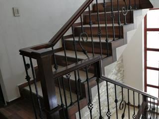 Escaleras y barandales Salones clásicos de Herrería Villa Clásico