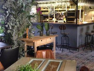 A interiorismo by Maria Andes ร้านอาหาร ไม้จริง Grey