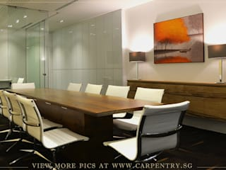 Contemporary and Sophisticated Office Modern offices & stores by Singapore Carpentry Interior Design Pte Ltd Modern