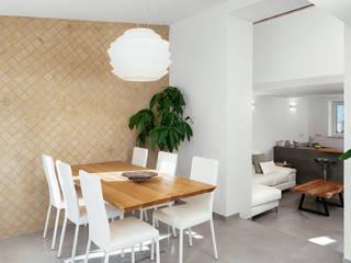 Casa P+R Sala da pranzo in stile mediterraneo di manuarino architettura design comunicazione Mediterraneo
