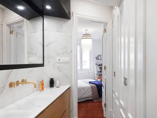 Estudio de Arquitectura Sra.Farnsworth Classic style bathroom