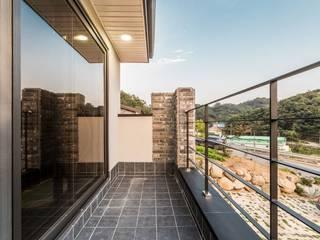 Modern Terrace by 한글주택(주) Modern