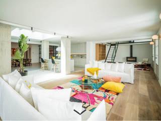 Soho Loft Es Jonquet Salones de estilo ecléctico de Bconnected Architecture & Interior Design Ecléctico